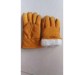 Перчатки короткие спилок с утеплением
